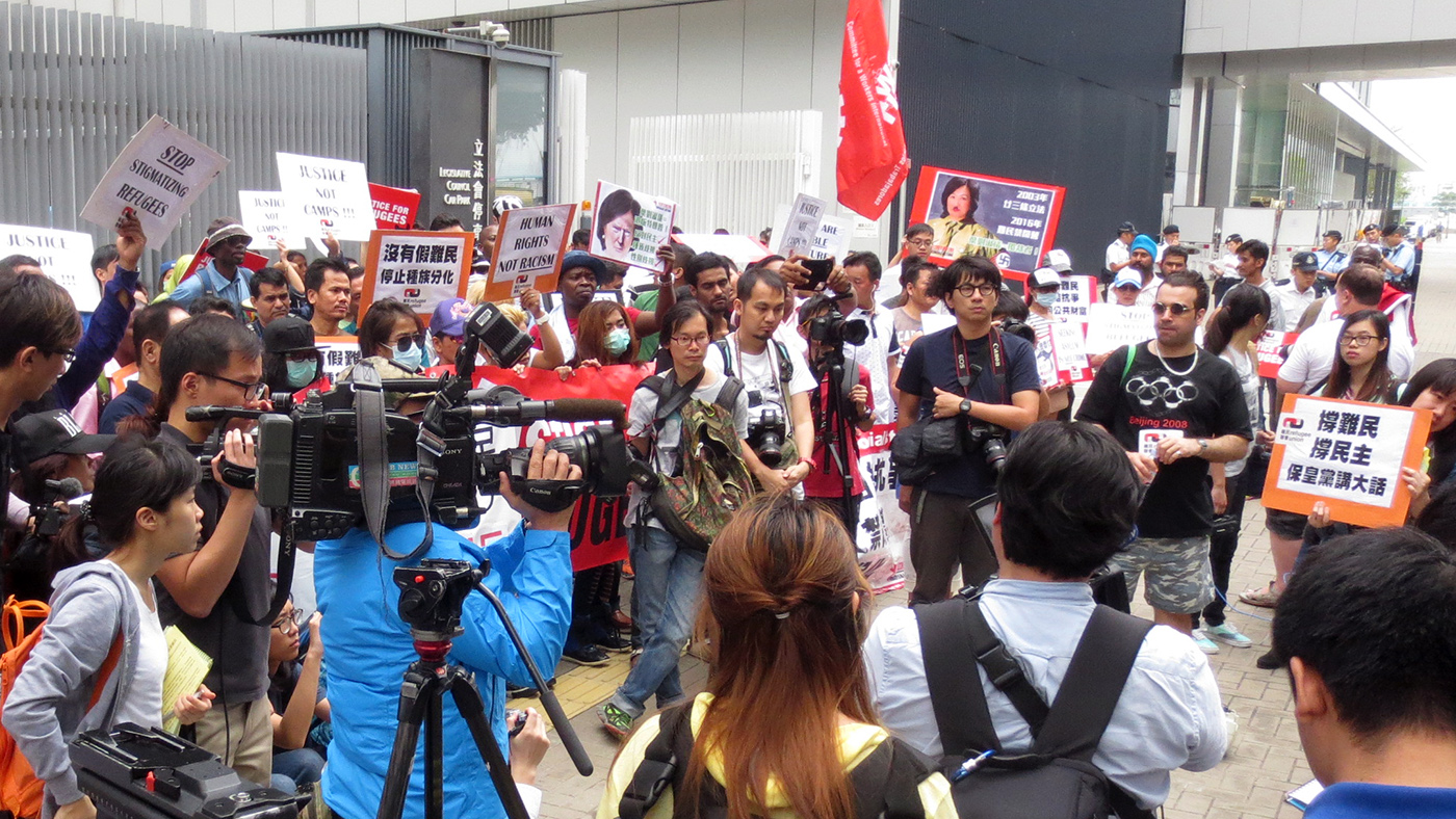 Media coverage of RU demo 30 Apr 2016